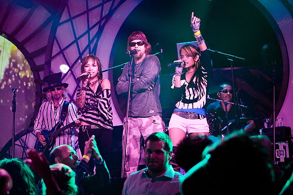 2010-10-01 Liquid Blue Band in San Diego CA at Fluxx 040
