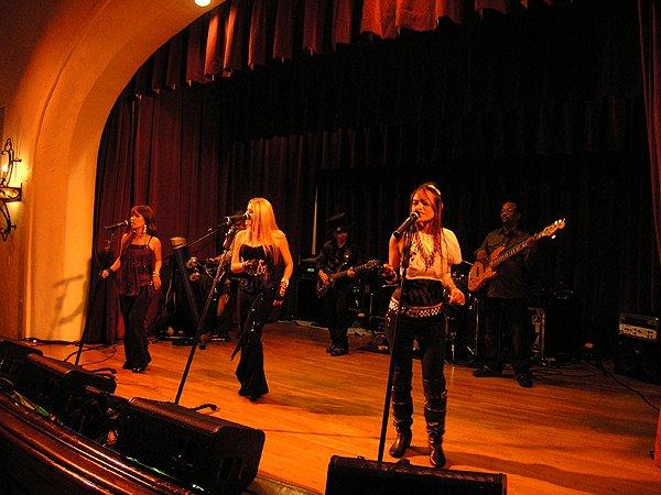 2010-10-30 Liquid Blue Band in Santa Barbara CA at Womens Club 003
