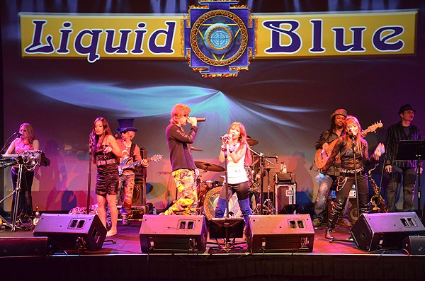 2011-01-31 Liquid Blue Band in Del Mar CA at Grand Del Mar 021