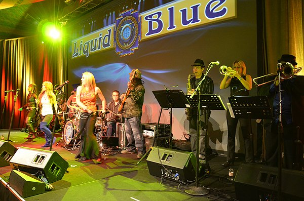 2011-01-31 Liquid Blue Band in Del Mar CA at Grand Del Mar 031