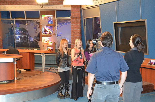 2011-02-05 Liquid Blue Band in Laredo TX KGNS TV Studio 001