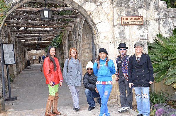 2011-02-08 Liquid Blue Band in San Antonio TX 003