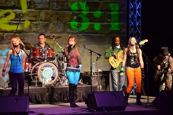 2011-02-09 Liquid Blue Band in San Antonio TX at Hyatt Hotel 004