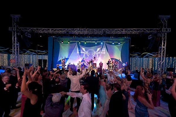 2011-08-06 Liquid Blue Band in La Jolla CA at La Jolla Beach and Tennis Club 254