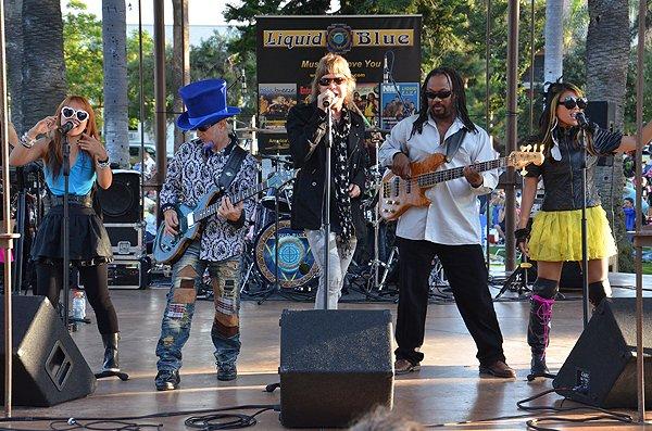 2011-08-07 Liquid Blue Band in Coronado CA at Spreckels Park 050