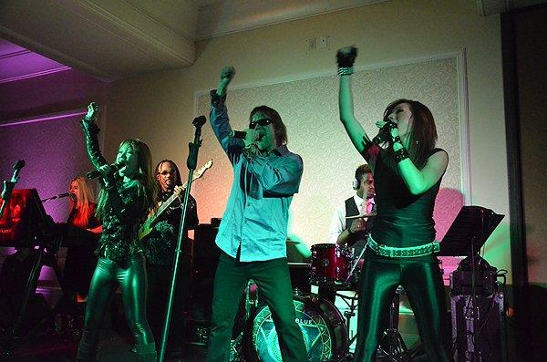 2011-08-20 Liquid Blue Band in Huntington Beach at Hyatt Regency Hotel 005