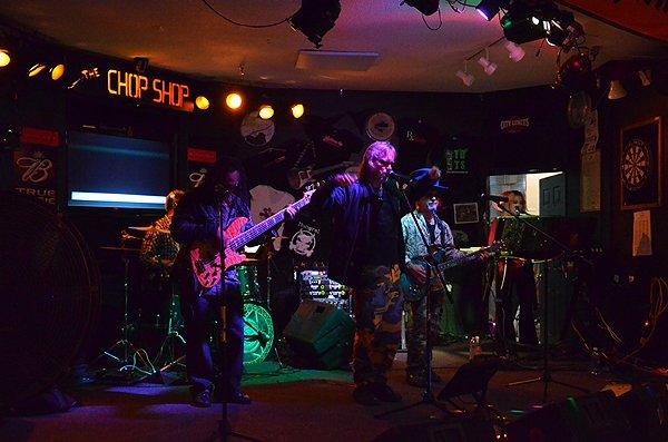 2011-09-23 Liquid Blue Band in Seabrook NH at Chop Shop Pub 002