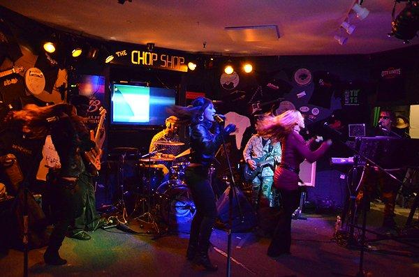 2011-09-23 Liquid Blue Band in Seabrook NH at Chop Shop Pub 005