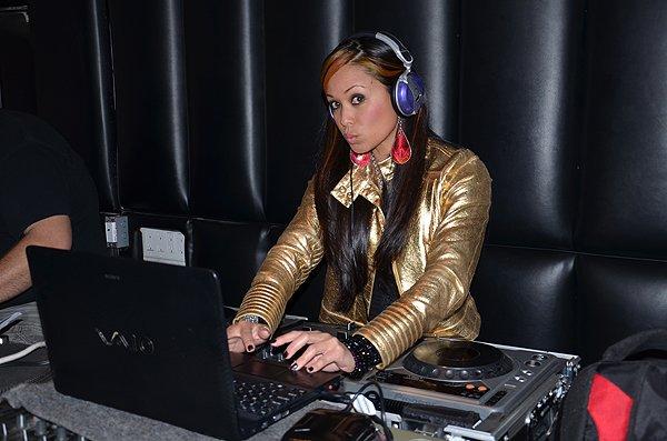 2012-02-19 DJ Layla Loxa in San Diego at Soda Bar 003