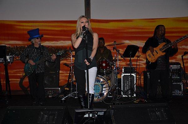 2012-03-17 Liquid Blue Band in San Diego CA at Zoofari 004
