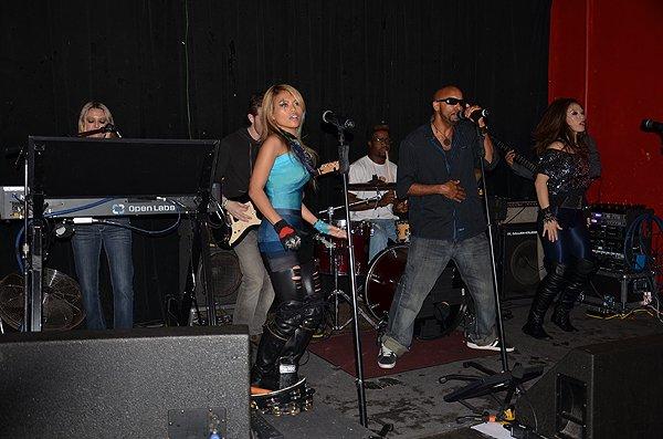 2012-04-25 Liquid Blue Band in San Diego CA at Kensington Club 001