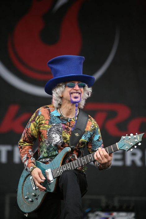 2012-06-03 Liquid Blue Band in San Diego CA at Rock and Roll Marathon 232