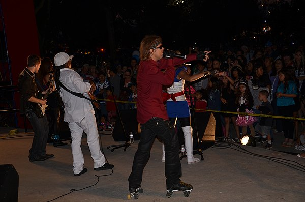 2012-07-03-Liquid-Blue-Band-in-Norwalk-CA-at-Norwalk-City-Hall-Lawn-042