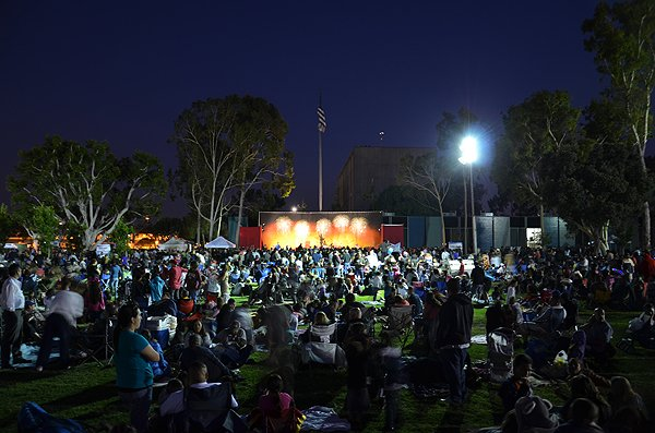 2012-07-03-Liquid-Blue-Band-in-Norwalk-CA-at-Norwalk-City-Hall-Lawn-053