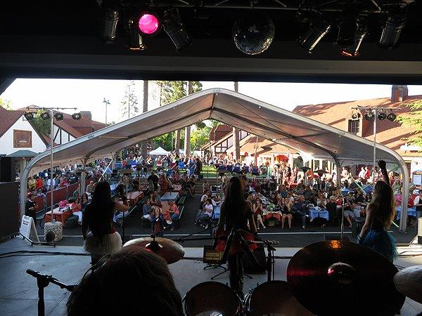 2012-07-06 Liquid Blue Band in Lake Arrowhead CA at Lake Arrowhead Village 005
