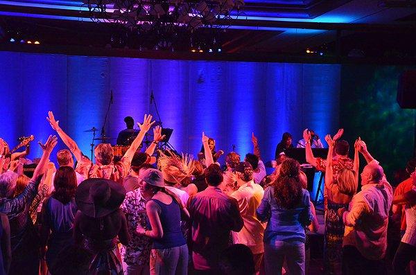 2012-07-19 Liquid Blue Band in Pebble Beach CA at Inn at Spanish Bay 105