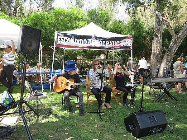 2012-08-12 Acoustic Blue in Rancho Santa Fe CA at Big Blue BBQ 002