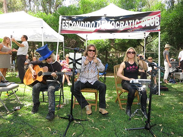 2012-08-12 Acoustic Blue in Rancho Santa Fe CA at Big Blue BBQ 008