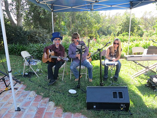 2012-08-19 Acoustic Blue in Rancho Santa Fe CA at Gefland Home 000