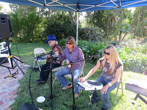 2012-08-19 Acoustic Blue in Rancho Santa Fe CA at Gefland Home 001