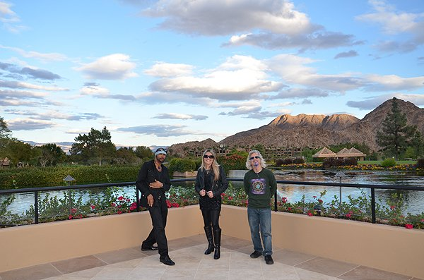 2012-11-17 Liquid Blue Band in Indian Wells CA 003