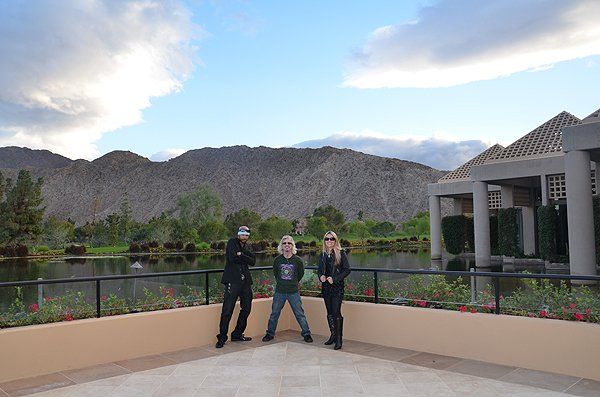 2012-11-17 Liquid Blue Band in Indian Wells CA 004