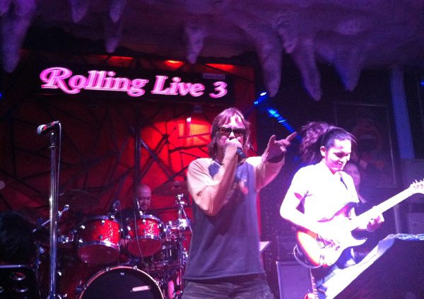 2013-02-23 Liquid Blue Band in Pattaya Thailand at Rolling Live 3 Bar 004