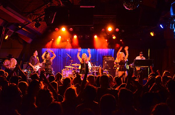 2013-03-01 Liquid Blue Band in Solana Beach CA at Belly Up Tavern 101