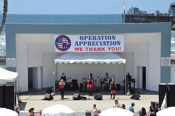 2013-05-18 Liquid Blue Band in Oceanside CA at Oceanside Pier Amphitheater 006