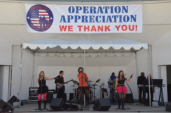 2013-05-18 Liquid Blue Band in Oceanside CA at Oceanside Pier Amphitheater 062