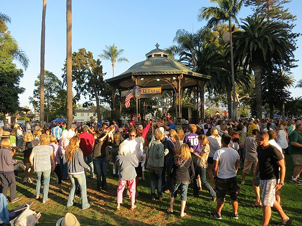 2013-07-28 Liquid Blue Band in Coronado CA at Spreckels Park 059