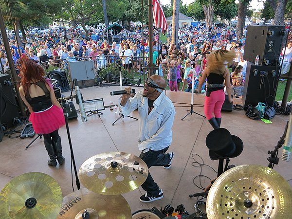 2013-07-28 Liquid Blue Band in Coronado CA at Spreckels Park 098