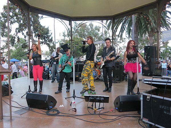 2013-07-28 Liquid Blue Band in Coronado CA at Spreckels Park 137