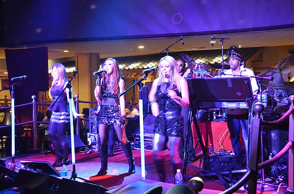 2013-08-02 Liquid Blue Band in Las Vegas NV at Ceasars Palace 005