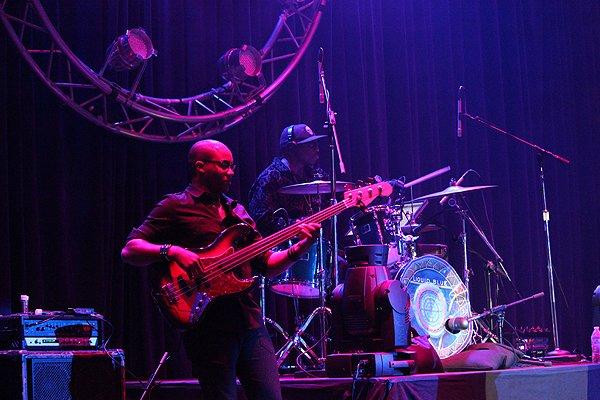 2013-12-08 Liquid Blue Band in Alpine Ca at Viejas Casino 010