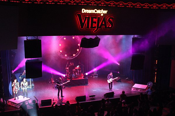 2013-12-08 Liquid Blue Band in Alpine Ca at Viejas Casino 019
