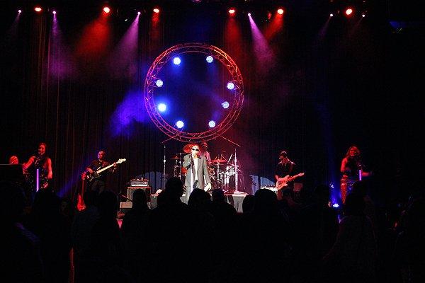 2014-01-04 Liquid Blue Band in Alpine CA at Viejas Casino 064