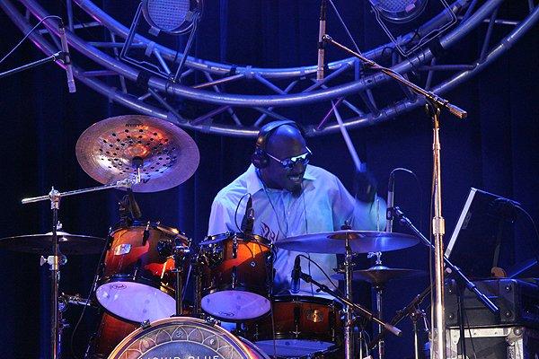 2014-01-04 Liquid Blue Band in Alpine CA at Viejas Casino 139