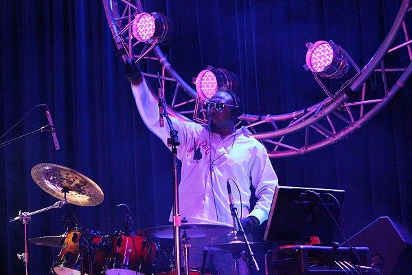 2014-01-04 Liquid Blue Band in Alpine CA at Viejas Casino 245