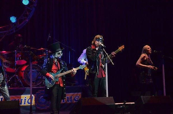 2014-02-08 Liquid Blue Band in Alpine CA at Viejas Casino 002