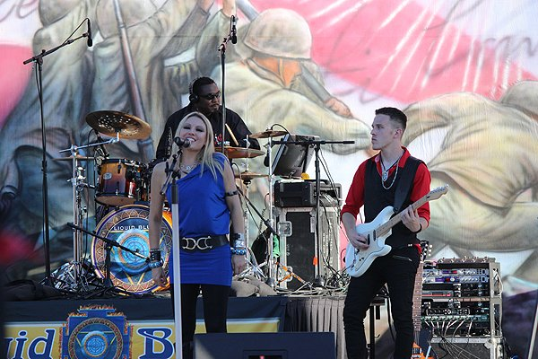 2014-07-03 Liquid Blue Band in Norwalk CA at City Hall Lawn 344