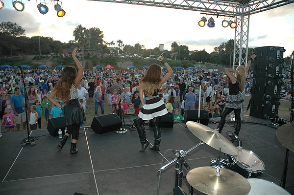 2014-07-18 Liquid Blue Band in Point Loma CA at Community Park 301