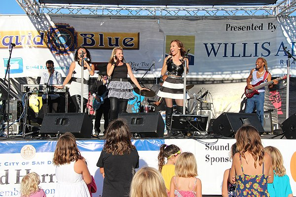 2014-07-18 Liquid Blue Band in Point Loma CA at Community Park 479