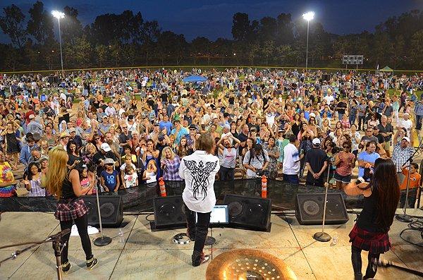 2014-07-25 Liquid Blue Band in Carlsbad CA at Pointsettia Park 325