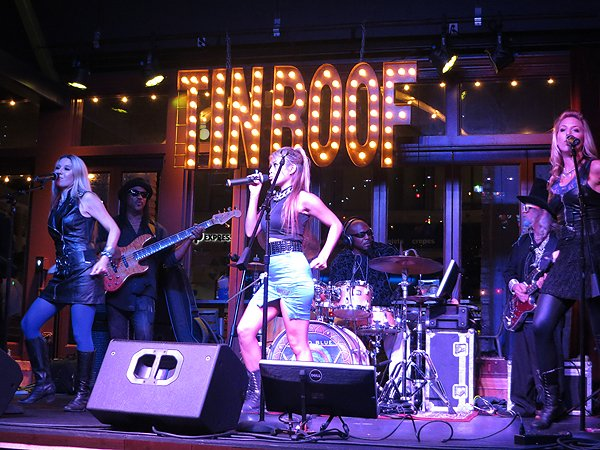 2014-08-15 Liquid Blue Band in San Diego CA at The Tin Roof 010