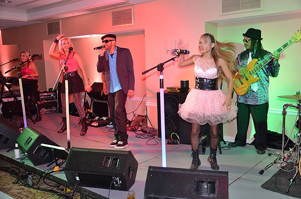2014-09-05 Liquid Blue Band in Del Mar CA at L'Auberge Hotel 017