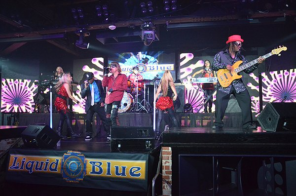 2014-09-15 Liquid Blue Band in San Diego CA at FLUXX 048