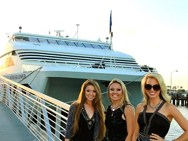 2014-10-14 Liquid Blue Band in San Diego CA on Hornblower Inspiration 000