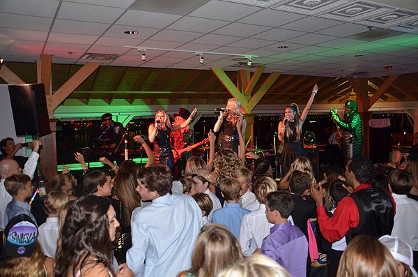 2014-10-25 Liquid Blue Band in Newport Beach CA at Harborside Restaurant 044