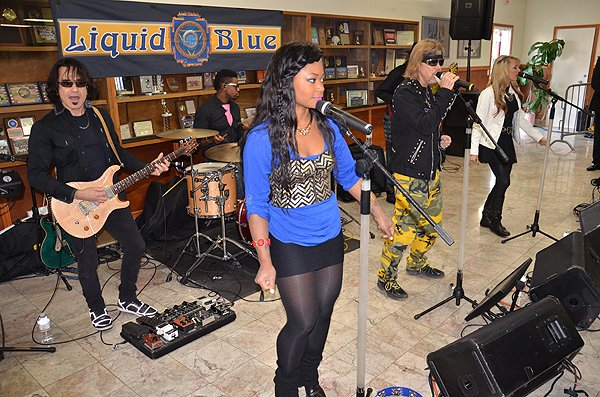 2014-11-01 Liquid Blue Band in Kearny Mesa CA at International Machinists Union 017